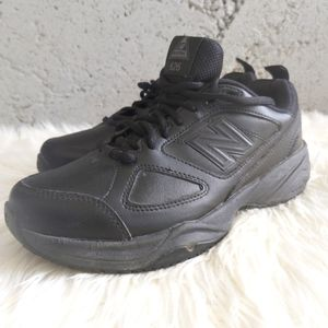 New Balance Solid Dad Sneakers In Black sz 7